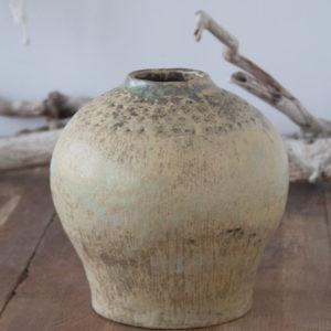 Jarrón de cerámica artesanal color verde
